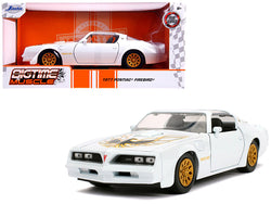 "1977 Pontiac Firebird Trans Am Pearl White with Gold Wheels ""Bigtime Muscle"" 1/24 Diecast Model Car by Jada"