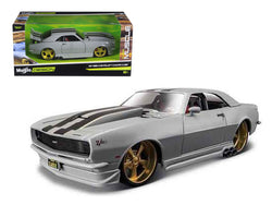 "1968 Chevrolet Camaro Z/28 Silver ""Classic Muscle"" 1/24 Diecast Model Car by Maisto"