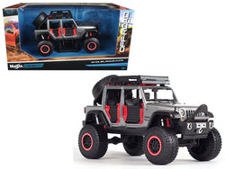 2015 Jeep Wrangler Unlimited Grey Off Road Kings 1/24 Diecast Model Car by Maisto