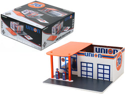 "Vintage Service Gas Station ""Union 76"" Diorama ""Mechanic's Corner"" Series #6  for 1/64 Scale Diecast Models by Greenlight"