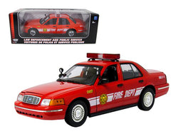 2001 Ford Crown Victoria Fire Chief Vehicle 1/18 Diecast Model by Motormax