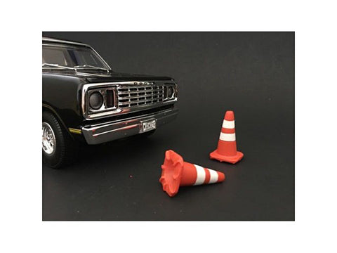 Traffic Cones (Set of 4) For 1:24 Scale Diecast Models by American Diorama