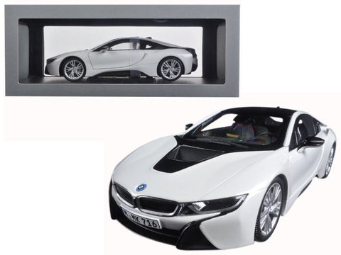 Bmw I8 Crystal White And Frozen Grey 1 18 Diecast Model Car By