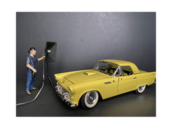 Weekend Car Show Figure V for 1/24 Scale Models by American Diorama