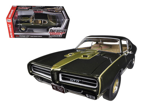 "1969 Pontiac GTO ""Royal Bobcat/Royal Pontiac"" Limited to 1250pcs 1/18 Diecast Model Car by Autoworld"