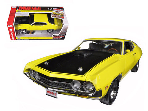 1970 Ford Torino Cobra Jet 429 Bright Yellow Hemmings Muscle Machine Limited Edition 1254pcs 1/18 Diecast Model Car by Autoworld