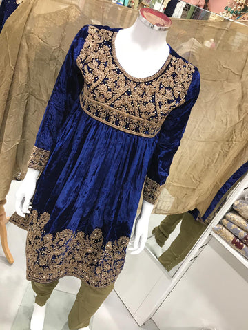 Inspired Winter Velvet Design RM2126