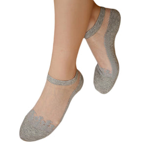 Lace Ruffle Ankle Socks Gray DM