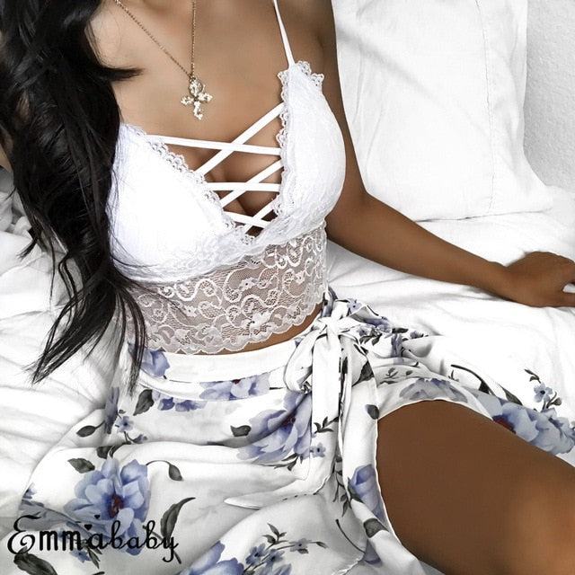 Sexy Lace Strap V Neck Crop Top A / S