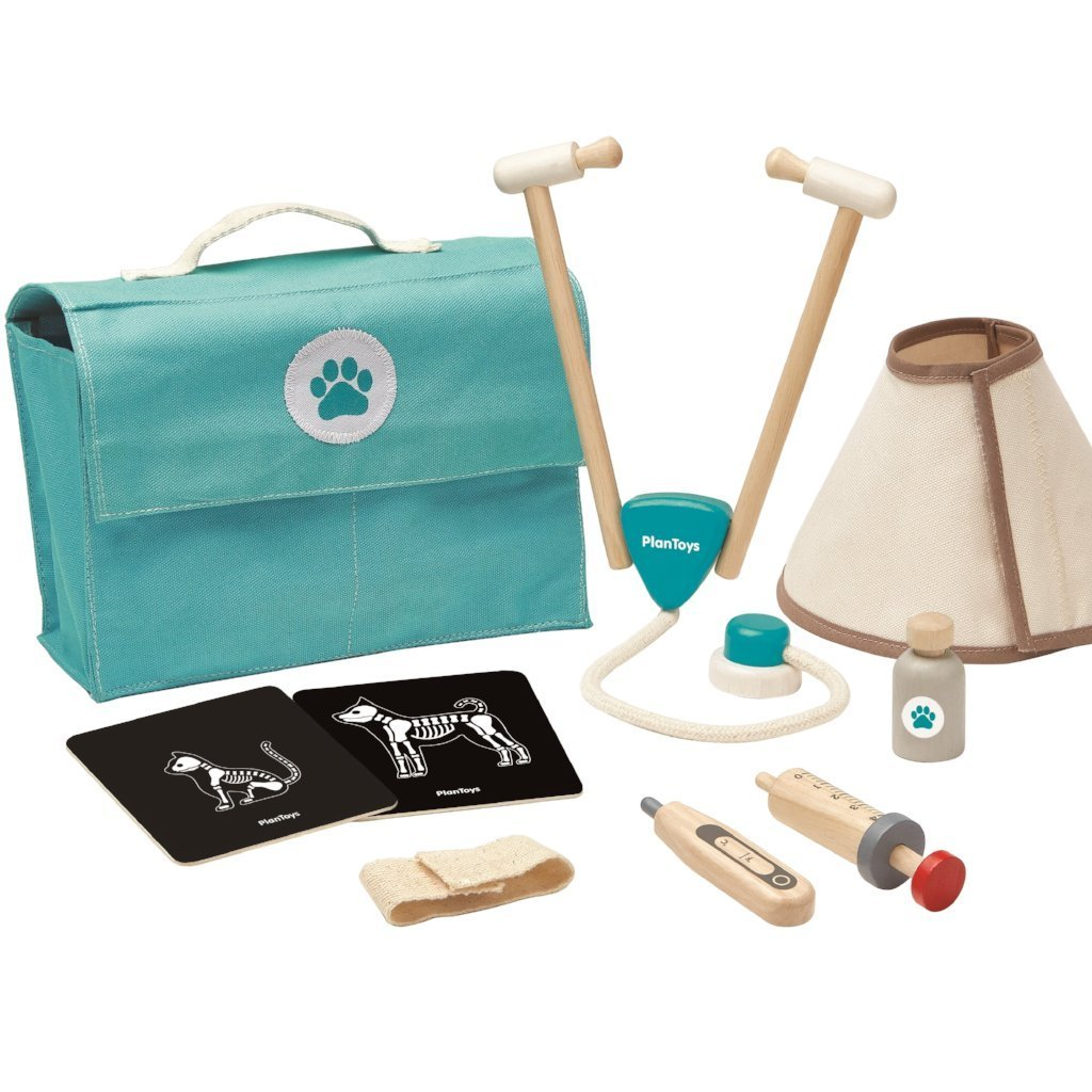 Plan Toys Vet Set - Little Whispers