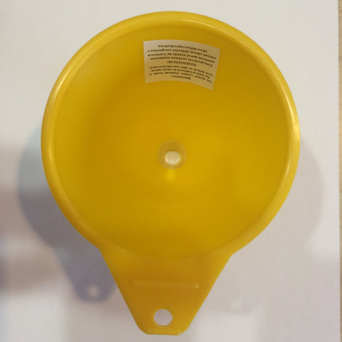 Funnel for filling insert (only available with game purchase)