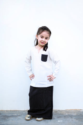 KIDS Vintage Kurung in Black & White