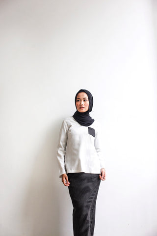 Vintage Kurung in White & Black