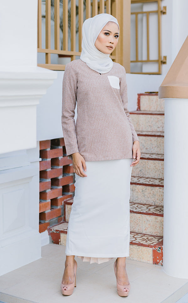 Vintage Kurung in Light Brown & White