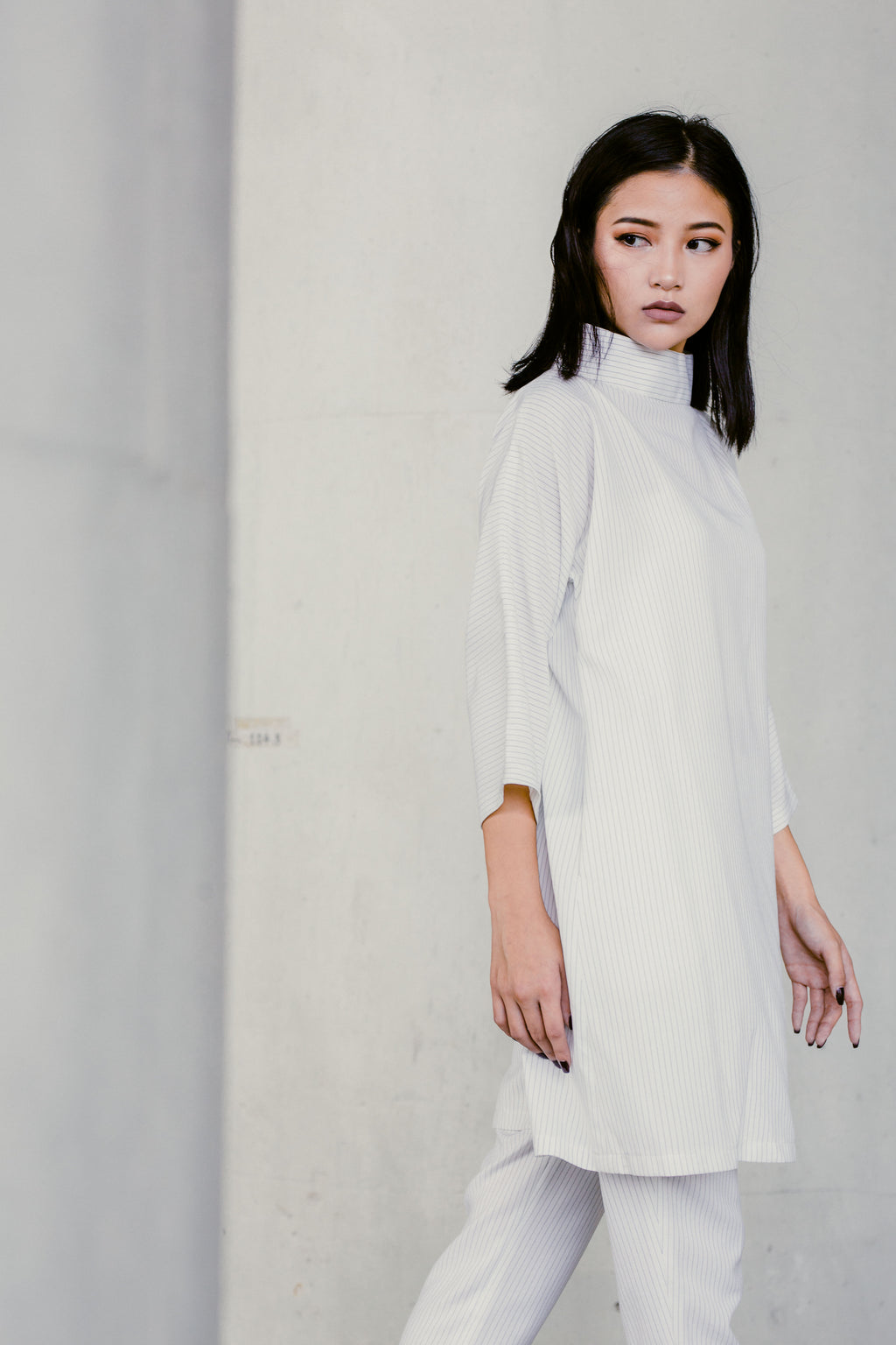 MINIMALIST White Dress Top