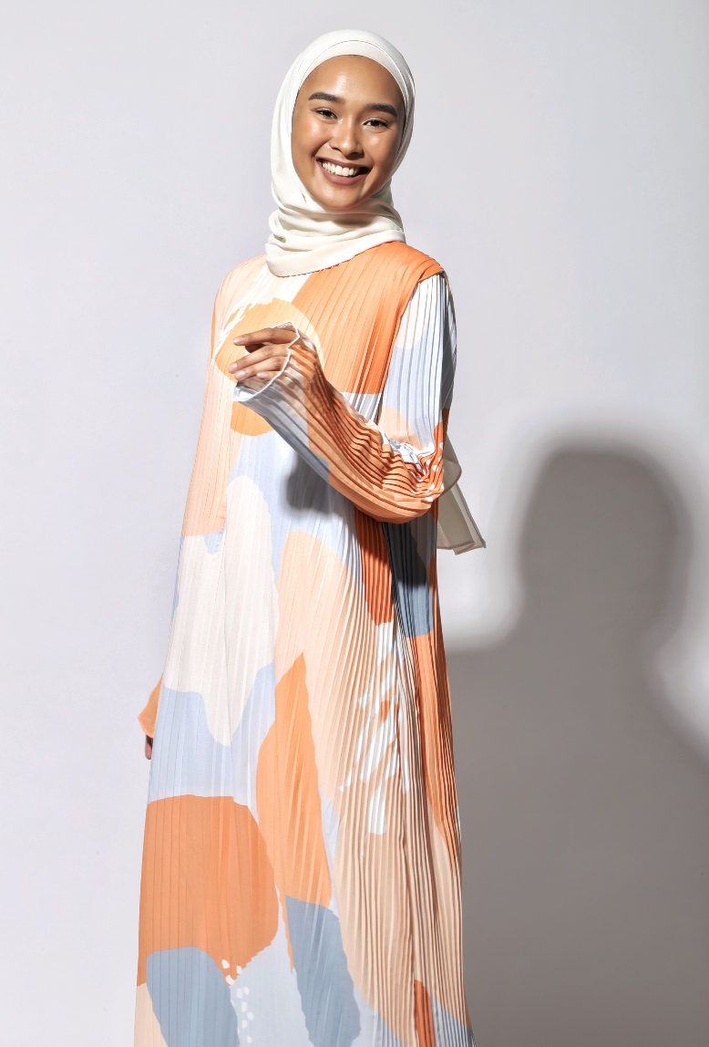 NIHAYA Pleated Dress Marigold in Orange