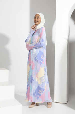 AYLEBARAN 2021 Pleated Dress in Mama Carrie