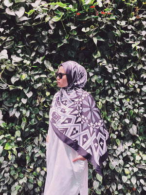 #AYARABIA Printed Shawl in Black