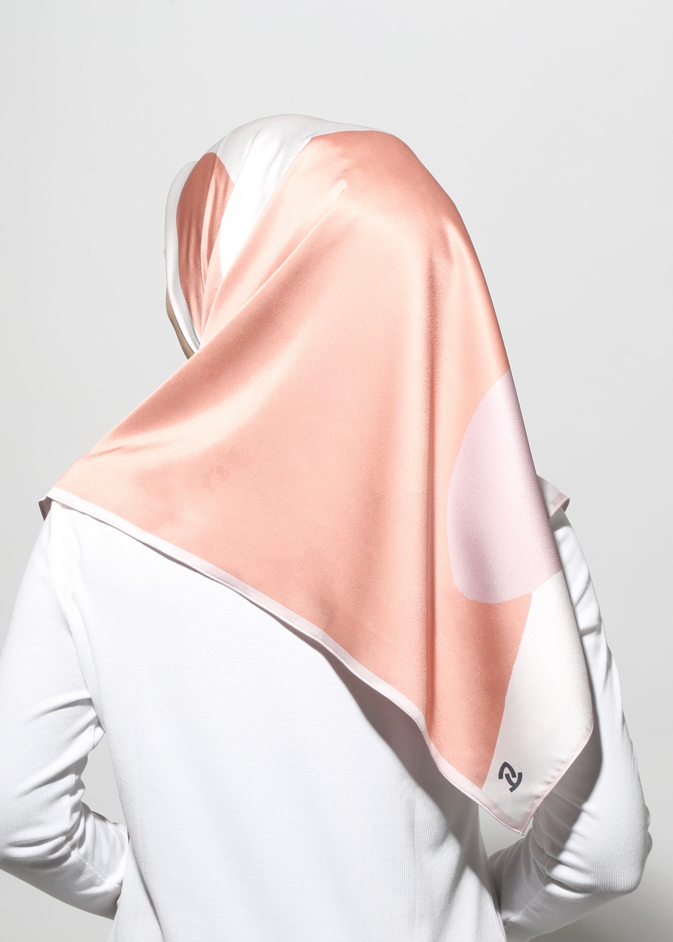 #AYSERENITY Printed Scarf in Blush Red