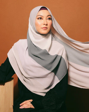 #AYARABIA Pleated Shawl in Grey