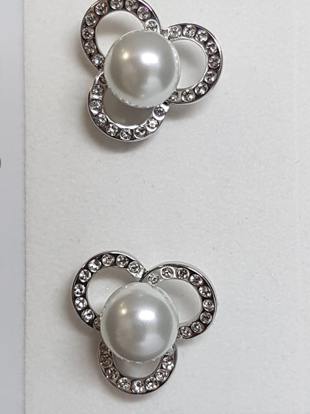 Clover Pearl Earrings