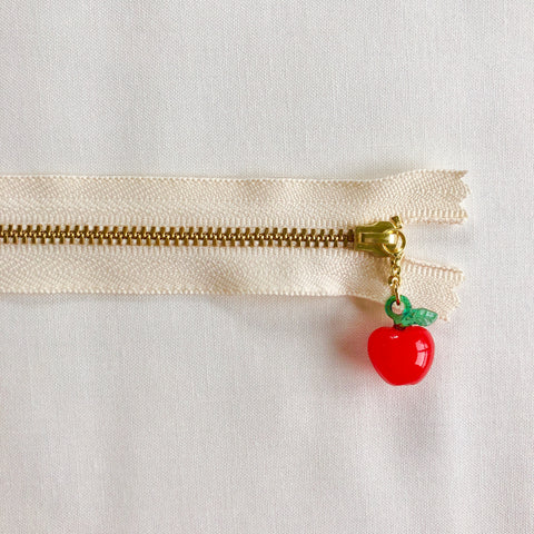 Apple Fruit Zipper - Antique Red