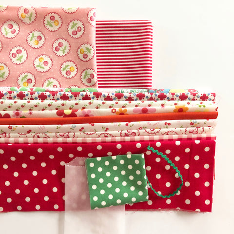 Cherry Round Zipper Pouch Kit