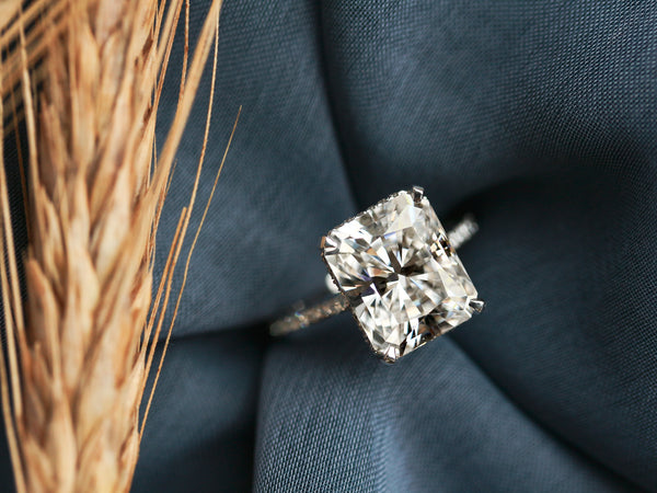 4 Myths About Engagement Rings You Need to Know