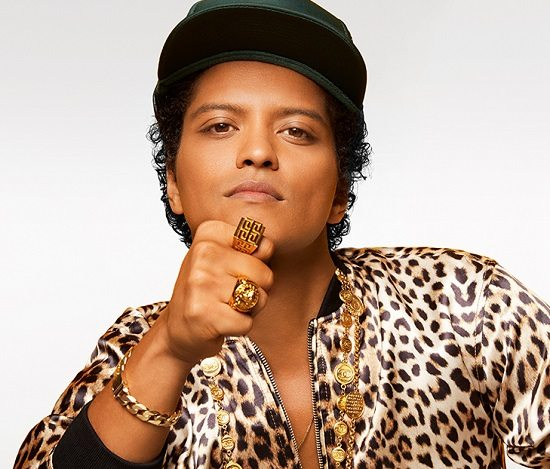 Bruno Mars Wearing Gold Signet Rings