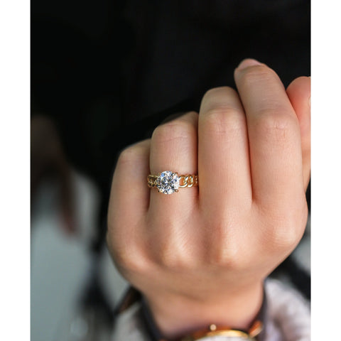 Round Moissanite Gold Chain Engagement Ring