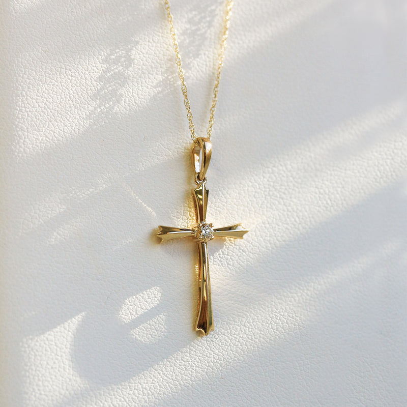 Kobelli Solitaire Diamond Cross Pendant Flared Arms in 10k Gold