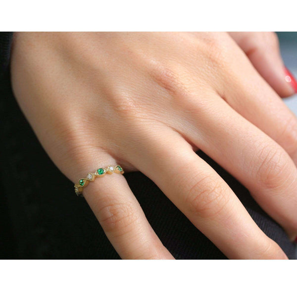 Kobelli Alternating Emerald and Diamond Yellow Gold Ring