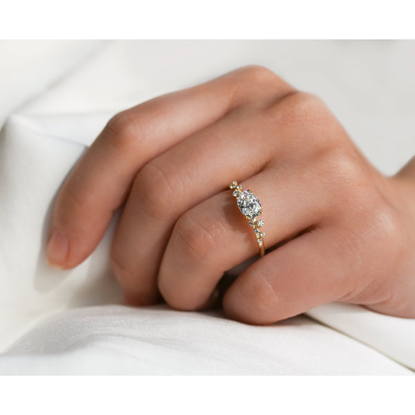 Kobelli Romantic East-West Oval Diamond Ring