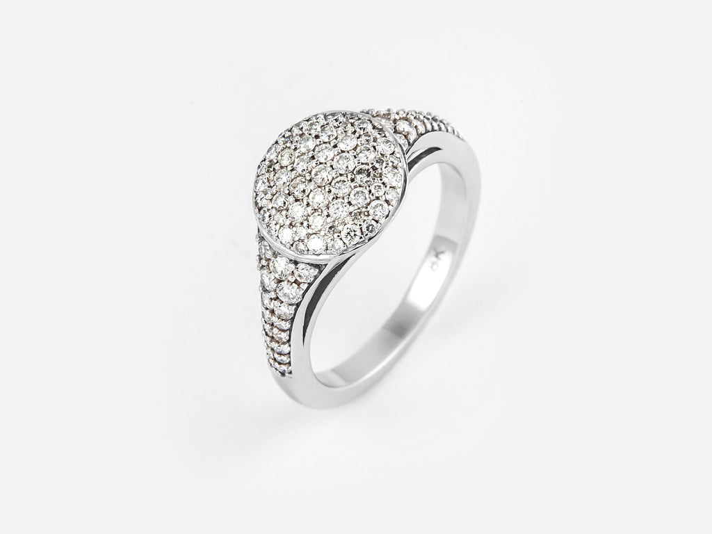 18k White Gold & Brilliant Round Diamonds 0.63ct Note: Intended as a pinky ring