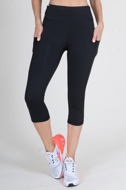 Active High Rise 5 Pocket Black Capri Leggings