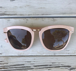 Kat Light Pink Fashion Sunglasses with UV400 Protection