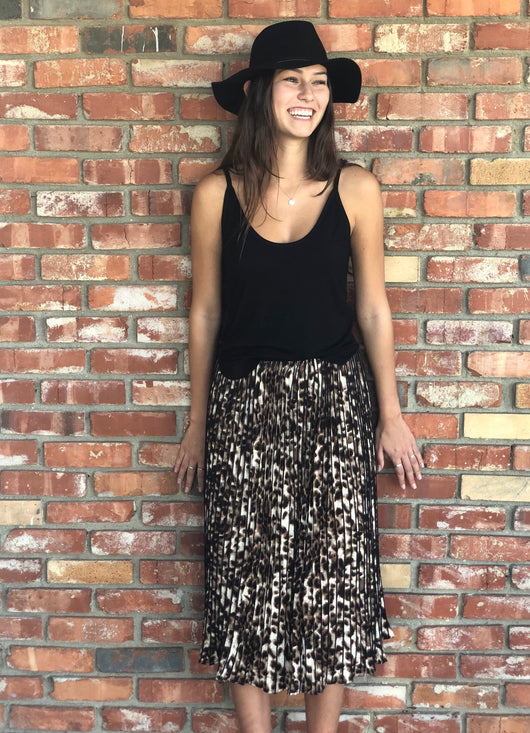 Pleated Leopard Print Midi Skirt With Comfortable Black Elastic Waist Band