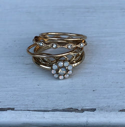 Set of 5 Gold Rings with Flower and Dainty Designs