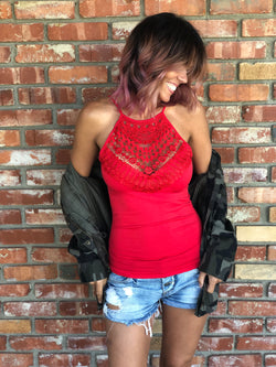 Red Dynamic Lace Neckline Seamless Fitted Cami w/adjustable Straps