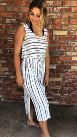 White & Navy Stripe Midi Dress w/Drawstring Waist Tie by Paper Crane. New Arrivals for the season with on trend style.    Ships from the USA, OC Social Butterfly boutique, unique style, dress, midi dress, comfort fit, flattering dress