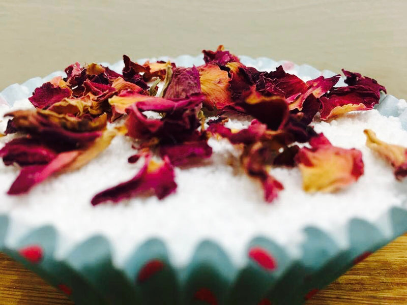 It's not too late! Make an easy cupcake bath bomb for Mother's Day
