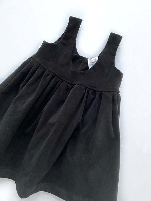 SCOOP PINAFORE DRESS