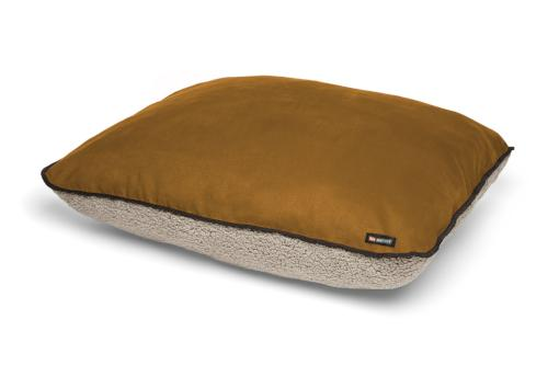 Saddle - sun-tanned and weathered leather with putty colored fleece