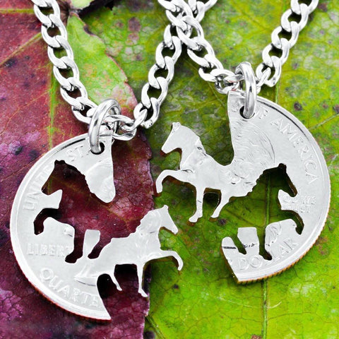 Ovasmart COWGIRL DUAL HORSES NECKLACE SET - LIMITED EDITION