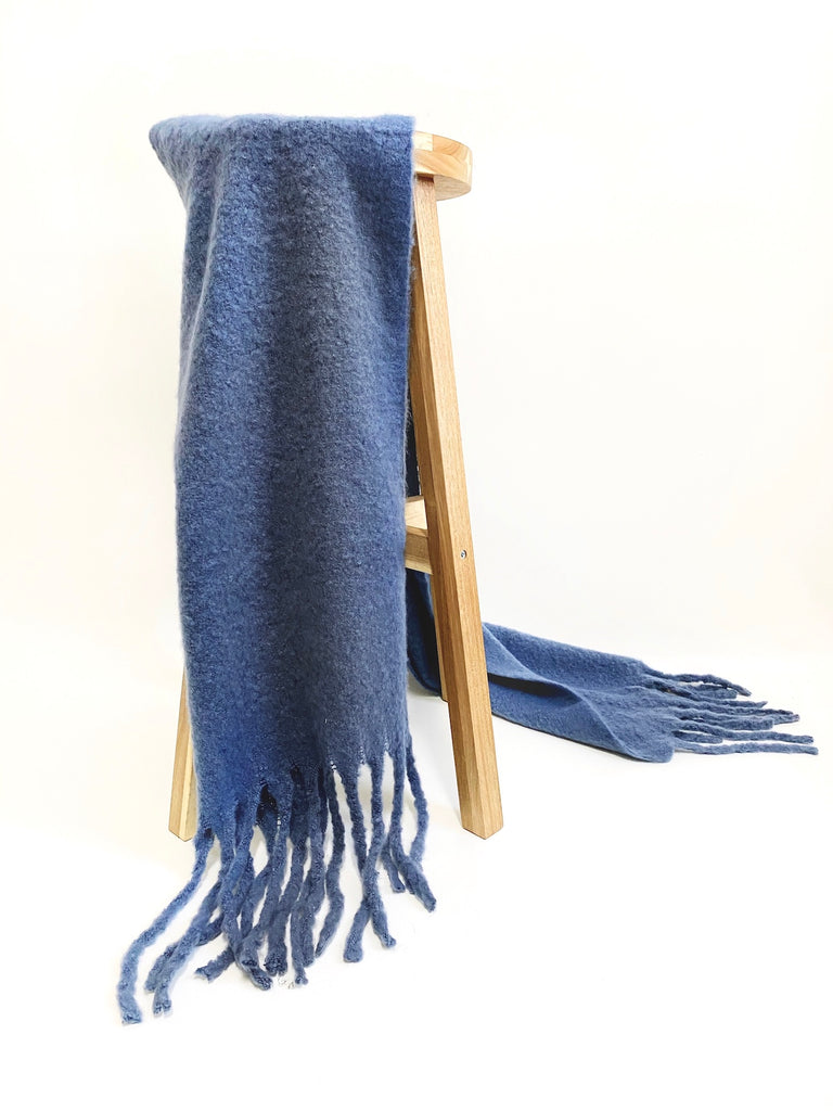 FLUFFY SCARF - BLUE