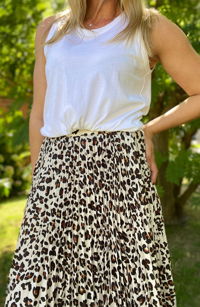 CHELSEA PLEATED SKIRT - CAMEL LEOPARD