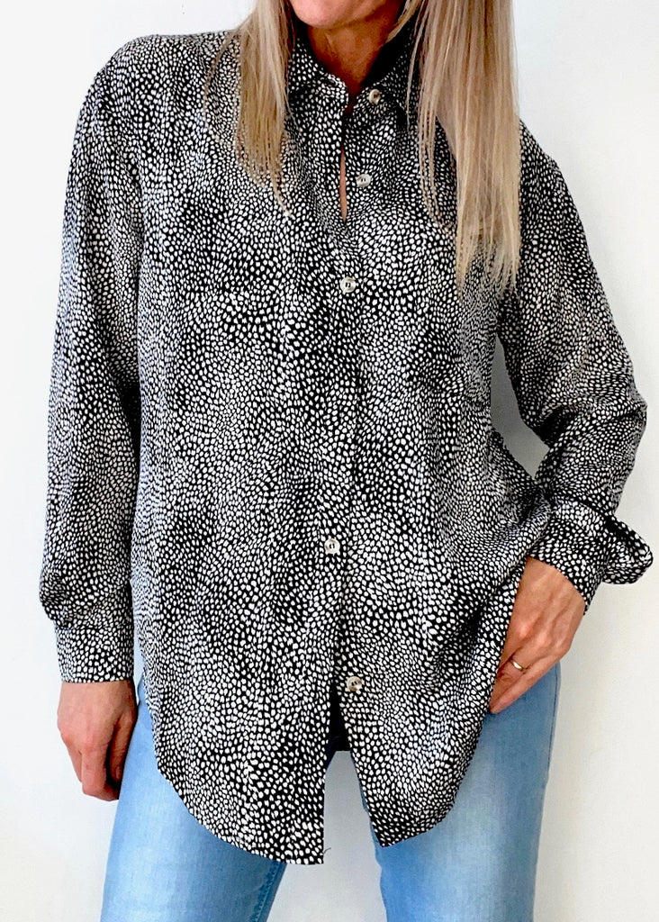 CHEETAH OVERSIZED  BUTTON SHIRT - BLACK PRINT