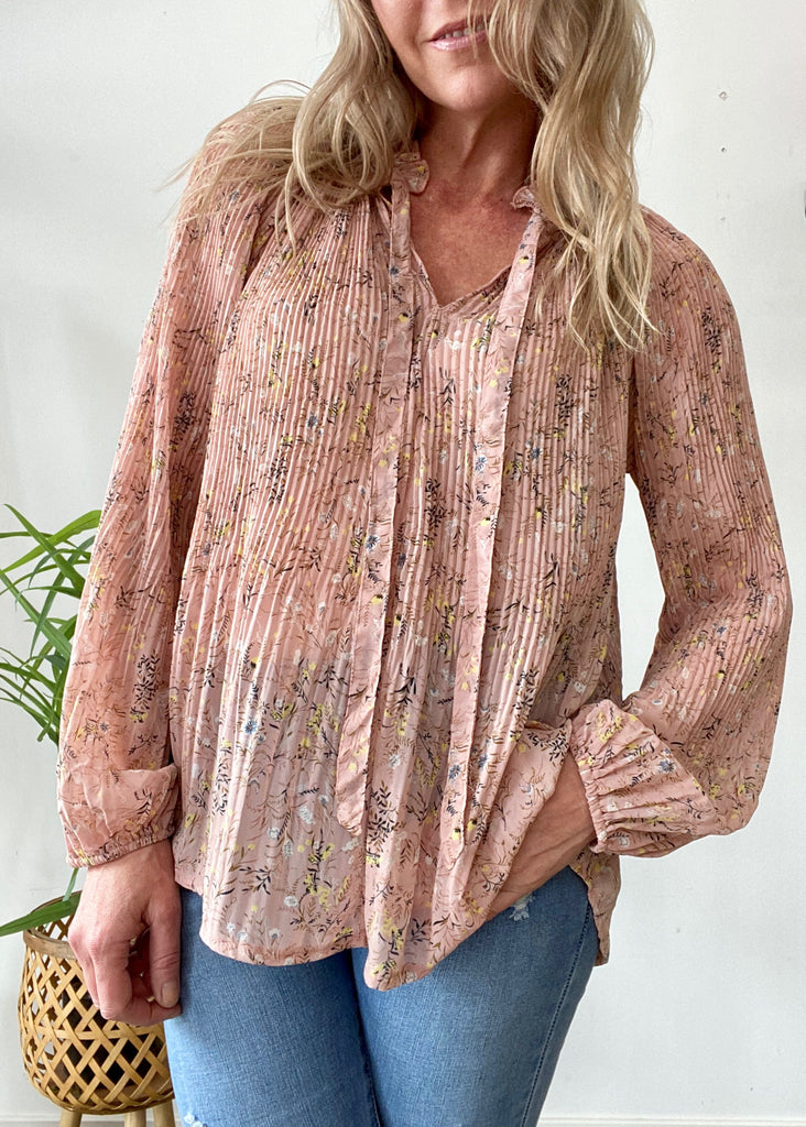 ROMANCE PLEATED BLOUSE - BLUSH FLORAL