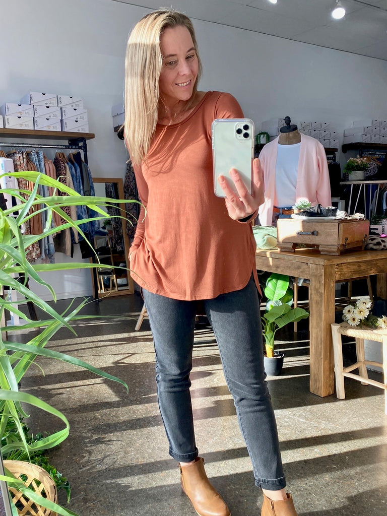 LONG SLEEVE BASIC - CARAMEL