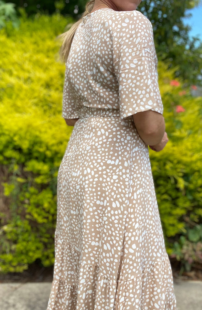 KARA DRESS - CARAMEL PRINT